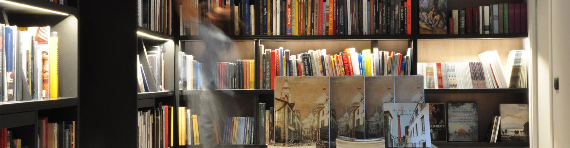 Librairie spécialisée sur les antiquités, les objets d'art et de collection - catalogues raisonnés